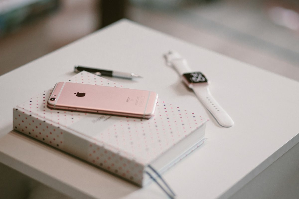 pink-iphone-notebook-watch