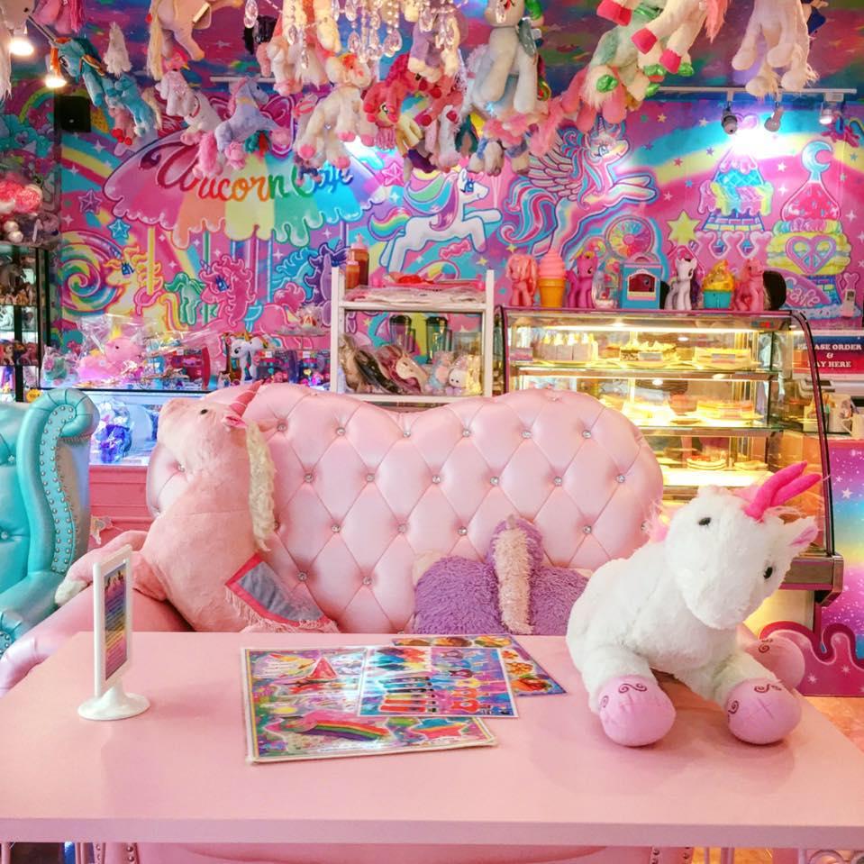unicorn-cafe-3