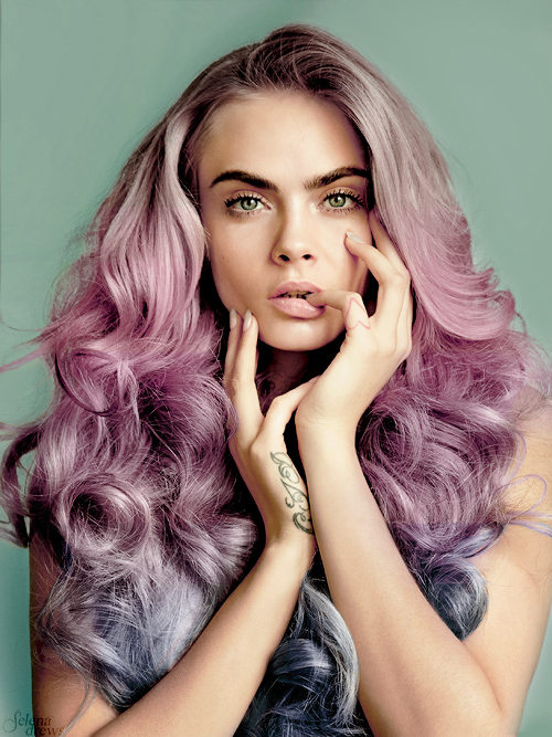 cara-delevingne-pink-unicorn-hair