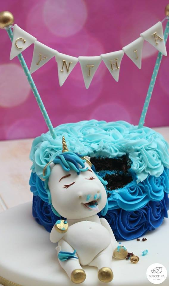 Blue-unicorn-cake-by-Dulcefina