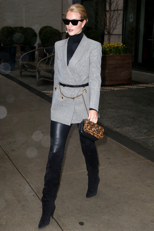 Rosie-Huntington-Whiteley-Fendi-Micro-Double-Baguette