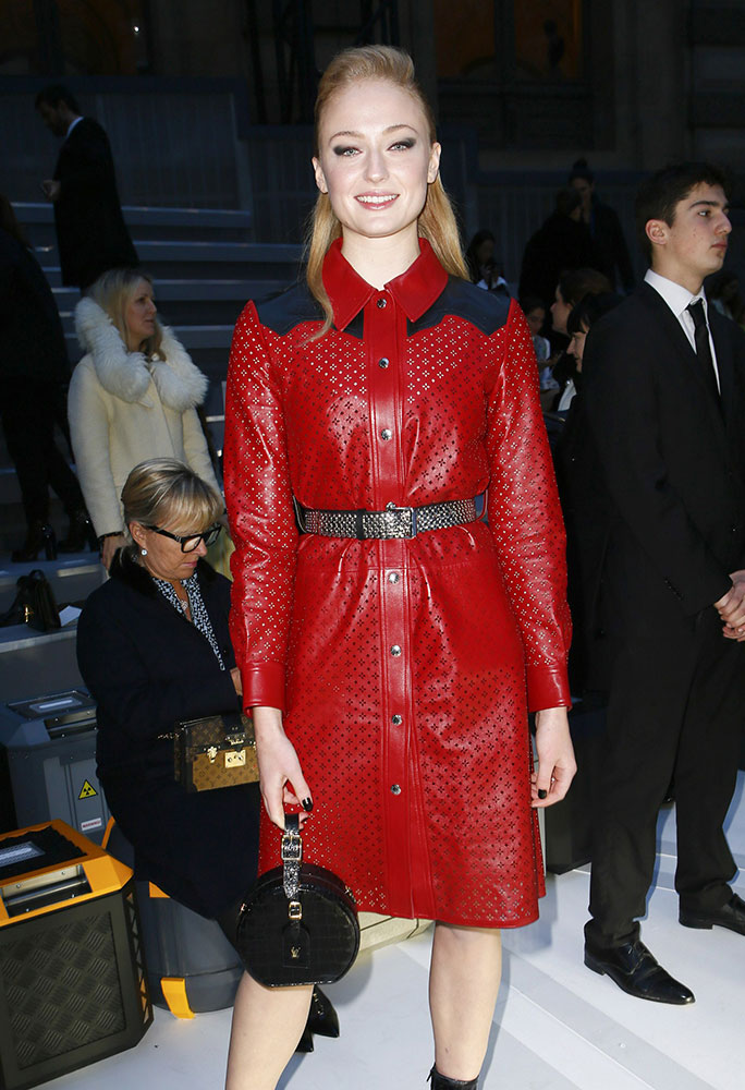 Sophie-Turner-Louis-Vuitton-Petite-Boite-Chapeau-Bag.jpg