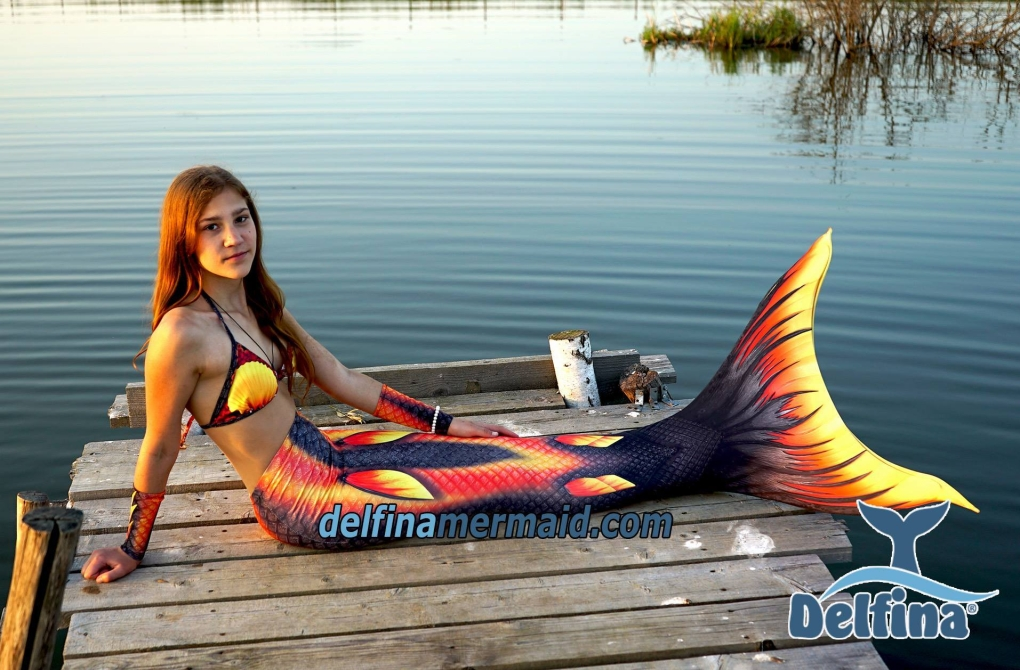 Delfina-Mermaid-fabric-tail