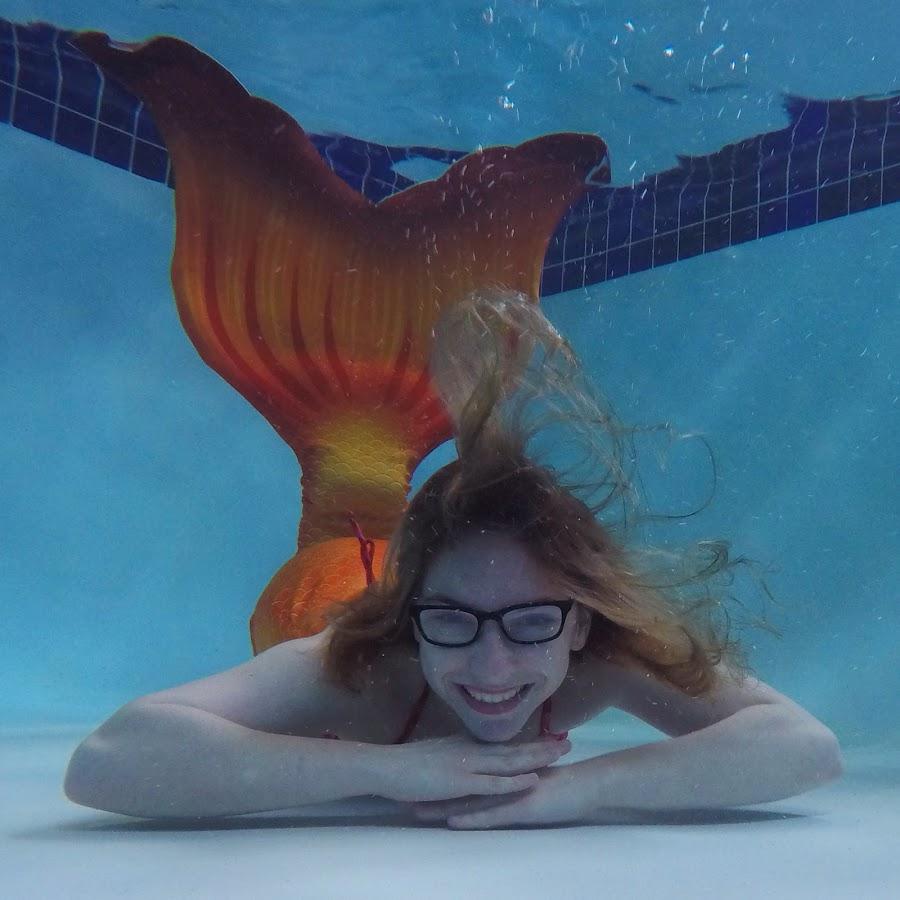 Vancouver-Mermaid-fabric-tail-Nerdmaid-Faith
