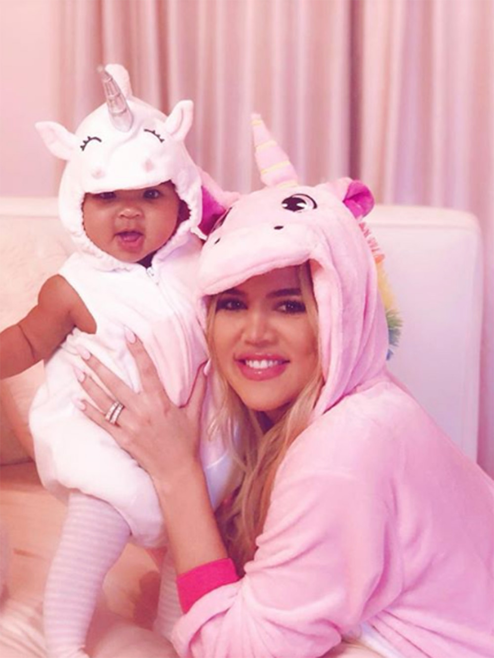 khloe-kardashian-true-thompson-halloween-unicorn-2